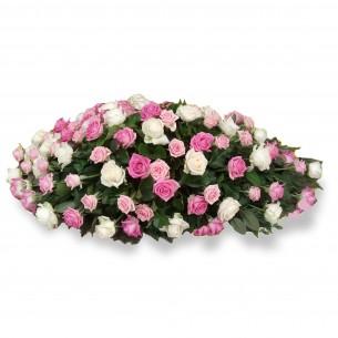 Kussen met enkel rozen